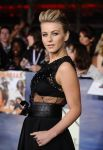 Celebrities Wonder 97236580_Twilight-Saga-Breaking-Dawn-2-premiere_Julianne Hough 2.JPG