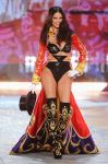Celebrities Wonder 97936059_2012-Victorias-Secret-Fashion-Show_Adriana Lima 1.jpg
