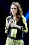 Celebrities Wonder 21552681_12-12-12-Concert-for-Sandy-Relief_Kristen Stewart 3.jpg