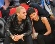 Celebrities Wonder 25577744_rihanna-basketball-game_7.jpg
