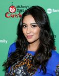 Celebrities Wonder 26779506_ABC-Family-25-Days-Of-Christmas-Winter-Wonderland-Event_Shay Mitchell 3.jpg