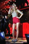 Celebrities Wonder 26798903_taylor-swift-Z100-Jingle-Ball_9.jpg