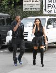 Celebrities Wonder 35331809_kim-kardashian-kanye-west_3.jpg