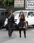 Celebrities Wonder 37671453_kim-kardashian-kanye-west_4.jpg