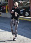 Celebrities Wonder 47236989_miley-cyrus-coffee_5.jpg