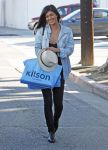 Celebrities Wonder 49014274_jessica-szohr-shopping-at-kitson_1.jpg