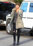 Celebrities Wonder 54555327_ashley-tisdale-Urth-Cafe_2.jpg