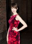 Celebrities Wonder 64780598_anne-hathaway-letterman_7.jpg