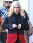 Celebrities Wonder 90037654_gwen-stefani-shopping_4.jpg
