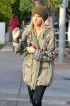 Celebrities Wonder 90874659_ashley-tisdale-Urth-Cafe_7.jpg