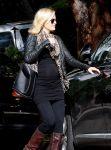 Celebrities Wonder 92685404_Pregnant-Malin-Akerman_8.jpg
