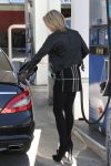 Celebrities Wonder 93546655_ali-larter-gas-station_5.jpg