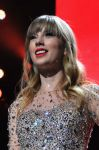 Celebrities Wonder 9772587_taylor-swift-Z100-Jingle-Ball_10.jpg
