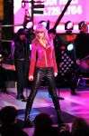 Celebrities Wonder 10232241_Dick-Clarks-New-Years-Rockin-Eve_taylor swift 1.JPG