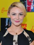 Celebrities Wonder 11821083_Movie-43-premiere-Hollywood_Samaire Armstrong 2.jpg