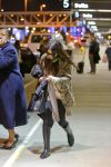 Celebrities Wonder 13518177_selena-gomez-lax-airport_2.jpg