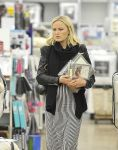 Celebrities Wonder 14528786_Pregnant-Malin-Akerman_6.jpg