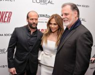 Celebrities Wonder 18779783_jennifer-lopez-parker-premiere_3.jpg