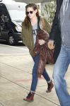 Celebrities Wonder 19873544_kristen-stewart-jfk-airport_4.jpg