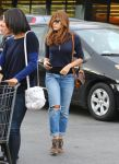 Celebrities Wonder 24037345_eva-mendes-shopping-for-groceries_1.jpg