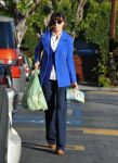 Celebrities Wonder 25093356_zooey-deschanel-shopping_1.jpg