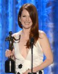 Celebrities Wonder 29255635_julianne-moore-2013-sag-awards_2.jpg