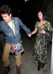 Celebrities Wonder 32687621_katy-perry-Osteria-Mozza_2.jpg