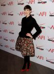 Celebrities Wonder 34102581_2013-afi-awards_Anne Hathaway 2.jpg