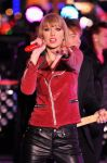 Celebrities Wonder 37271955_Dick-Clarks-New-Years-Rockin-Eve_taylor swift 3.jpg