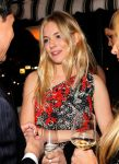 Celebrities Wonder 388170_w-magazine-golden-globe-party_Sienna Miller 2.jpg