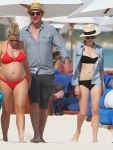 Celebrities Wonder 42884296_michelle-williams-bikini_2.jpg