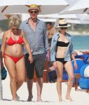 Celebrities Wonder 4438196_michelle-williams-bikini_1.jpg