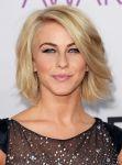 Celebrities Wonder 45011738_julianne-hough-2013-Peoples-Choice-Awards_3.JPG