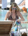 Celebrities Wonder 50613018_nicky-hilton-pool_5.jpg