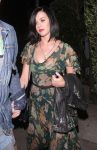 Celebrities Wonder 59880088_katy-perry-Osteria-Mozza_3.jpg