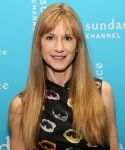 Celebrities Wonder 6521087_Sundance-Channel-2013-Winter-TCA-Panel_Holly Hunter 4.jpg