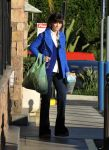 Celebrities Wonder 67029570_zooey-deschanel-shopping_4.jpg