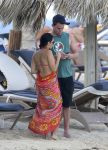 Celebrities Wonder 74209786_pregnant-jenna-dewan-beach_5.jpg