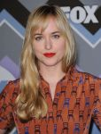Celebrities Wonder 75344440_fox-all-star-party_Dakota Johnson 2.jpg