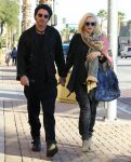 Celebrities Wonder 78402700_Gwen-Stefani-and-Gavin-Rossdale_1.jpg