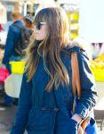 Celebrities Wonder 7961382_jessica-biel-shopping-farmers-market_6.jpg
