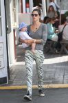 Celebrities Wonder 82586540_alessandra-ambrosio-son_1.jpg