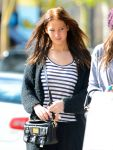 Celebrities Wonder 82617510_jennifer-lawrence Kings-Road-Cafe_4.jpg