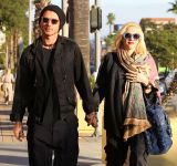 Celebrities Wonder 83800833_Gwen-Stefani-and-Gavin-Rossdale_9.jpg