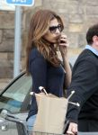 Celebrities Wonder 8417379_eva-mendes-shopping-for-groceries_4.jpg