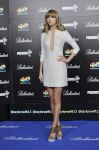 Celebrities Wonder 89298922_taylor-swift-40-principales-awards_2.jpg