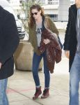 Celebrities Wonder 92963152_kristen-stewart-jfk-airport_1.jpg