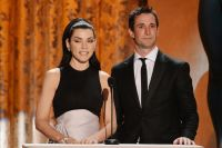 Celebrities Wonder 94018347_julianna-margulies-2013-sag_3.jpg