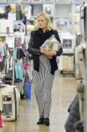 Celebrities Wonder 996385_-pregnant-malin-akerman-shopping_1.jpg