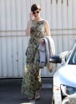 Celebrities Wonder 10315173_anne-hathaway-meeting_3.jpg